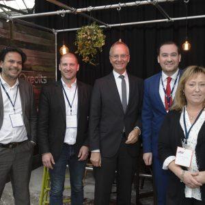 2015Marie-Louise op uitnodiging van Google. Ontmoeting toemalige Minister Kamp en diverse kamerleden ( Cora van Nieuwenhuizen) tijdens de zgn Digitale Werkplaats.